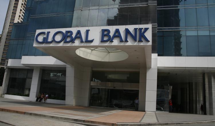 La fusión de bancos reduce competidores, Global Bank y Banvivienda