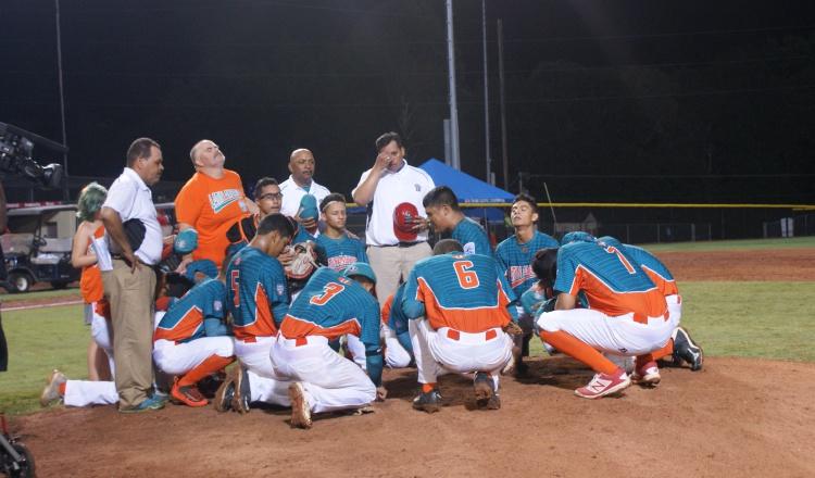 Bajo la dirección de Boris Polanco (centro), el equipo de Aguadulce ganó la Serie Mundial Intermedia el año pasado. Anayansi Gamez