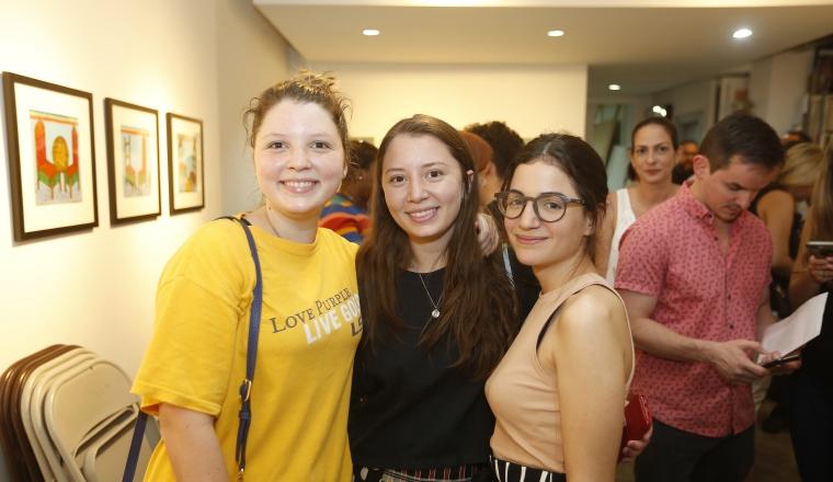 2.  Daniela Pérez, Carolina Pérez y Mónica de Obarrio.