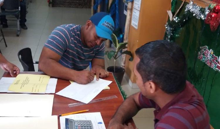 Denuncias sobre manejo firmas de precandidatos irán a fiscalía electoral