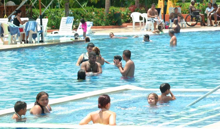 Hoteles atraen clientes locales