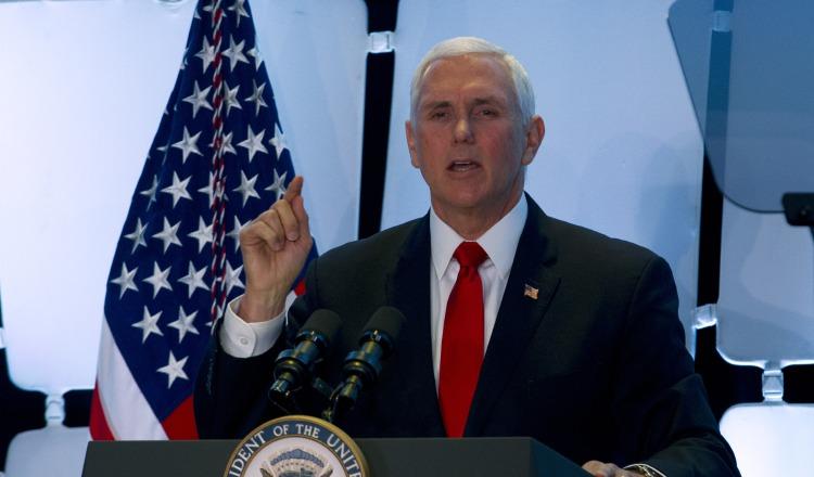 EE.UU. anuncia que revocará visas a unos 77 venezolanos