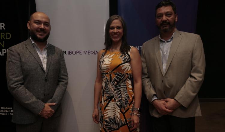 1. Francisco Carvajal, Vivian Gálvez y Jorge Martín Frech.