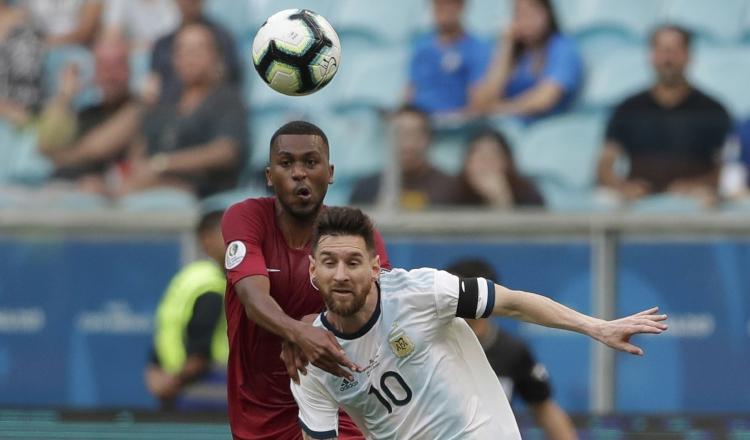 Leo Messi se queja de las canchas brasileñas