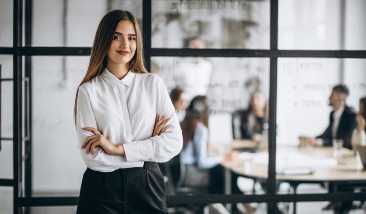 Las mujeres tienen más habilidades de liderazgo que los hombres