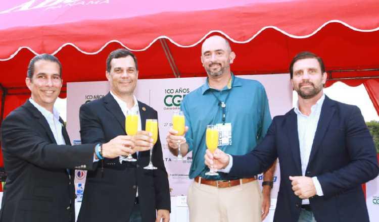 Un brindis por  la máxima fiesta del golf panameño