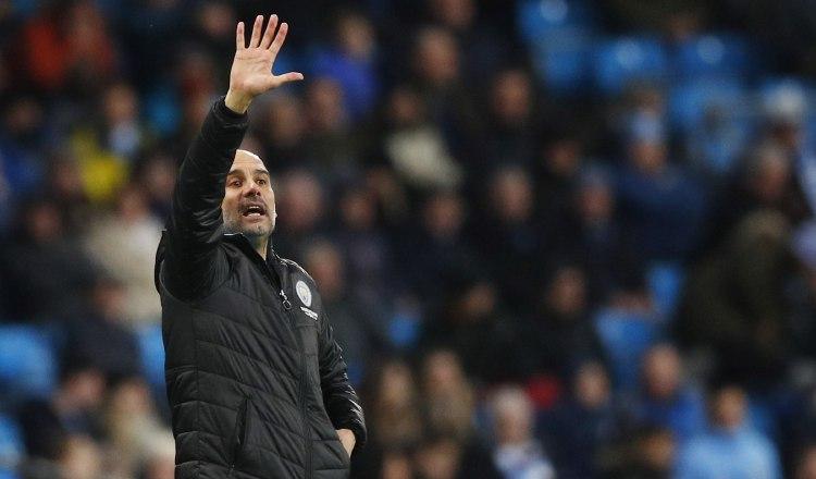 Pep Guardiola no se raja tras sanción de la UEFA al Manchester City