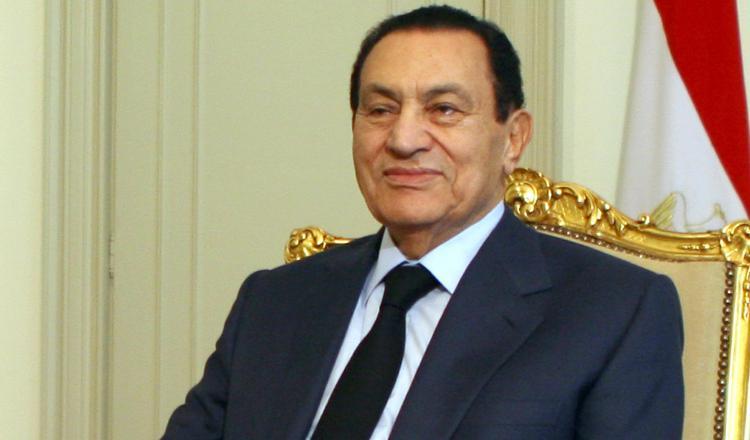 Hosni Mubarak muere absuelto y honrado
