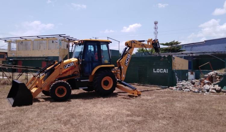 Demolición del Agustín 'Muquita' Sánchez de La Chorrera.Foto: Jaime A. Chávez