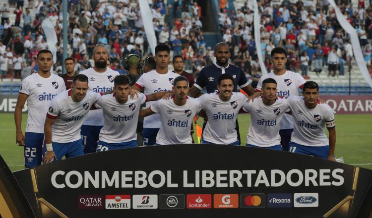 Nacional con Luis 'Manota' Mejía gana en Libertadores