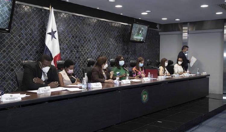 Castigarían penalmente el acoso y abuso político a las mujeres en Panamá
