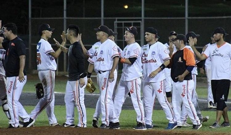 Los Santos se arma para el béisbol mayor