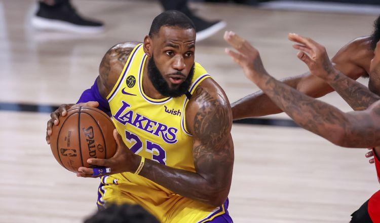 LeBron James establece una nueva marca en la NBA