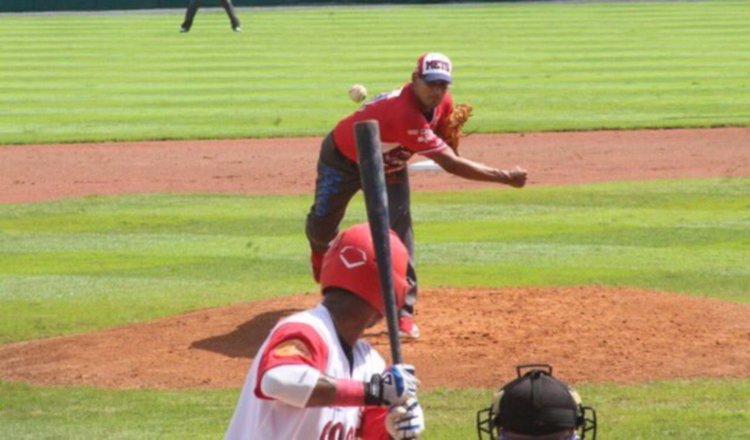 Gilberto Méndez llega a los 118 triunfos  en el béisbol mayor