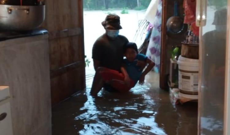 Narcos desafían los huracanes en Panamá para tratar de mover su droga