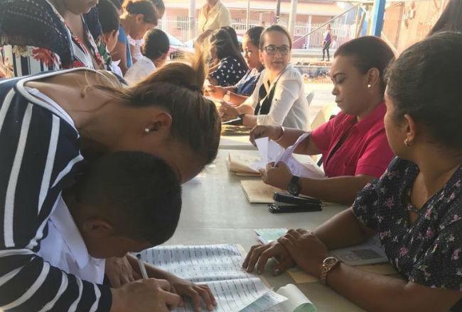 Calendario Escolar Universidad De Panama 2019.Ifarhu Avisara Por Telefono Para El Primer Pago De La Beca