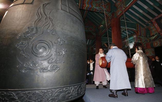 En Corea del Norte sonaron las campanas anunciando el inicio del año 2019. FOTO/AP
