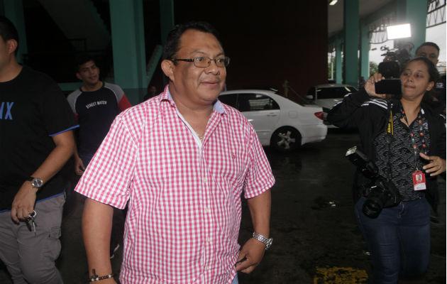 Exdiputado Absalón Herrera cobraba cheques de la planilla 080 que estaban a nombre de su difunto padre