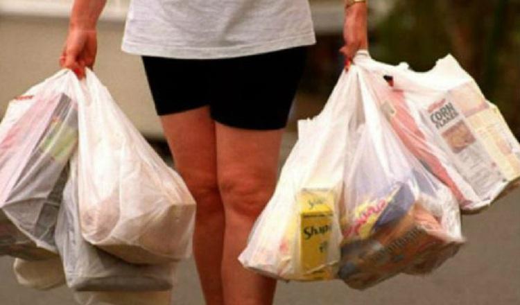 Acodeco multa a 30 comercios por uso de bolsas plásticas