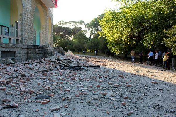 Un sismo de 5,8 en la escala de Richter sacude Albania