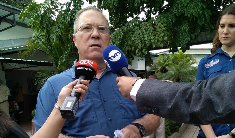 Alcalde José Luis Fábrega ya trabaja en pliego de cargos de playas públicas en la bahía