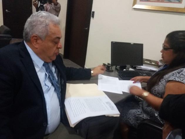 Alejandro Pérez interpone denuncia criminal en contra de Juan Carlos Varela por destrucción de radares