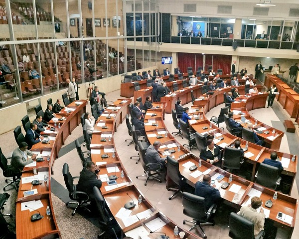 Principales comisiones, presididas por diputados reelectos