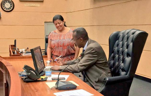 Aprueban en tercer debate proyecto que recompensa a personas que denuncien actos de corrupción