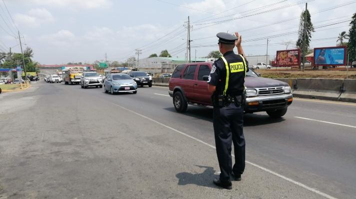 Policías de tránsito en el Oeste son víctimas de atropello por conductores ebrios