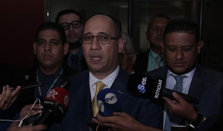 Fiscalía busca enredar caso de Ricardo Martinelli e introduce DVD con sellos rotos