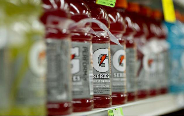 Buscan prohibir la venta de bebidas energéticas a menores de edad