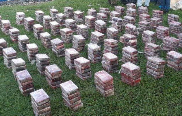 Dos colombianos aprehendidos por decomiso de 380 kilos de droga en Bocas del Toro