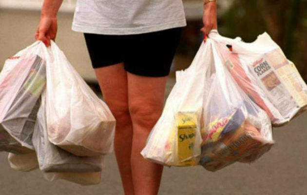 Acodeco le pide a los comercios que completen el formulario de costos de bolsas reutilizables