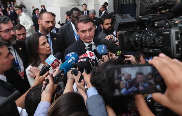 Bolsonaro dice en Chile que si fuese misógino y racista no gana las elecciones