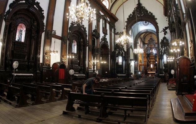 Hombre dispara contra los fieles, se suicida y acaba con la vida de cuatro personas en una catedral en Brasil