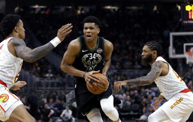 Bucks tiene la mejor marca de la NBA; Paul George volvió a brillar; falla Nowitzki