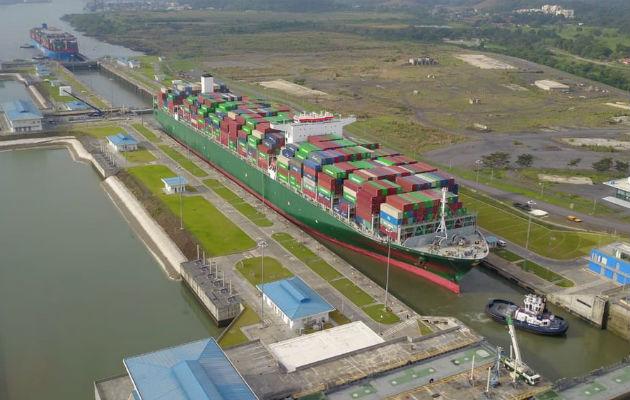 Canal de Panamá alcanza nuevo récord con el tránsito del primer portacontenedores de 20 filas