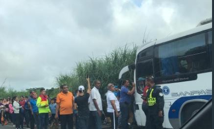 Un herido deja el accidente de un bus de la ruta Santiago-Panamá