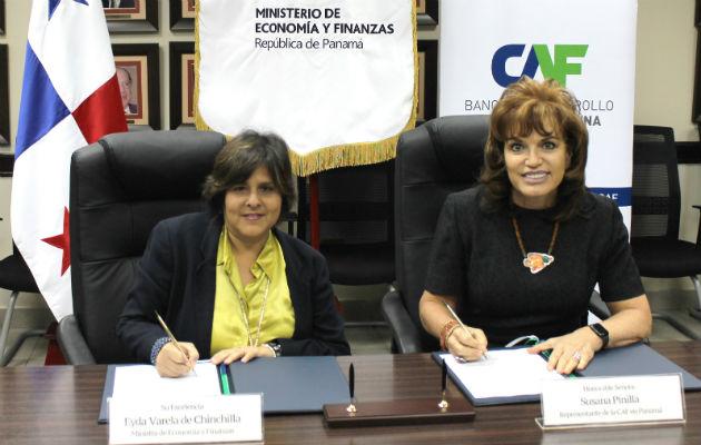 CAF y MEF firman contrato por $125 millones para promover el idioma inglés
