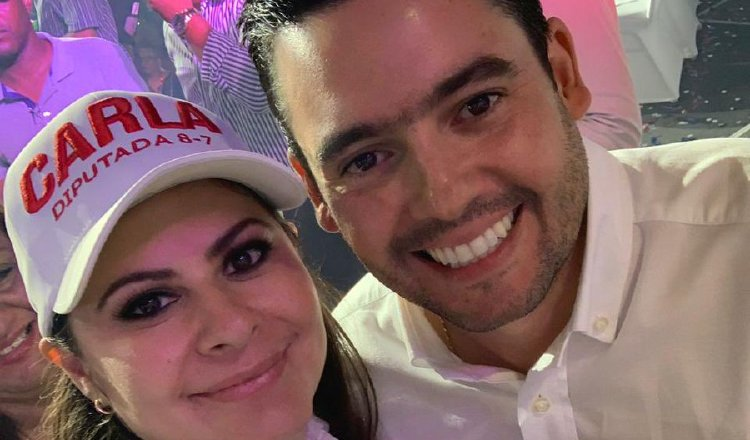 Carla García (izq.) junto al vicepresidente Gaby Carrizo. Foto: Cortesía