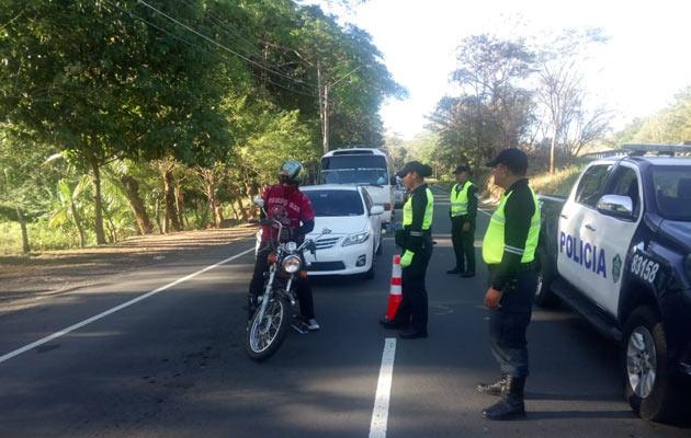 Se han realizado varios retenes en la provincia de Chiriquí para fortalecer los operativos en los Carnavales. Foto/José Vásquez