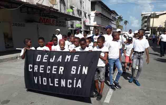 La población colonense reclama  en las calles que vuelva la paz