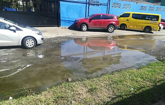 Coordinan paliativo en escuela afectada por aguas servidas en Colón