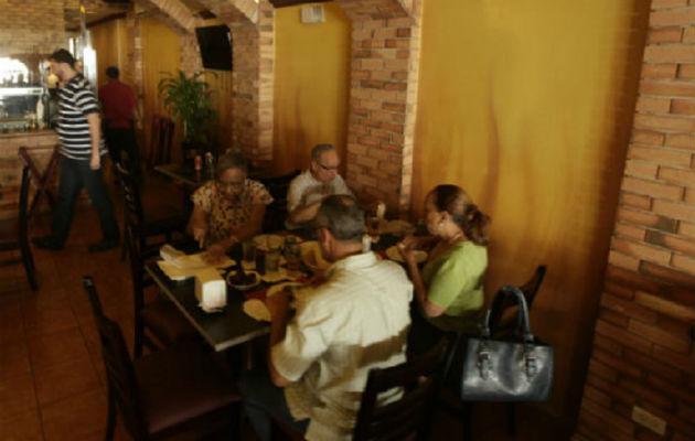 Comensales se niegan a comer en restaurantes por constantes robos