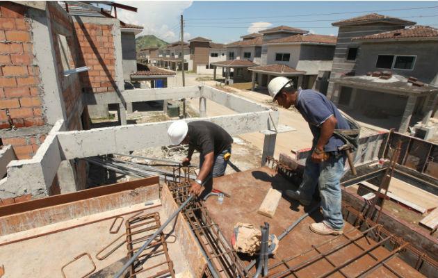 Permisos de construcción caen 18% por primera vez en ocho años