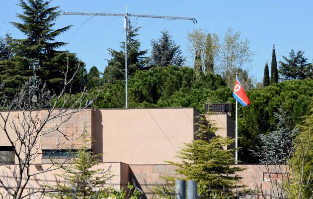 Grupo se atribuye ataque a la embajada de norcorea en España