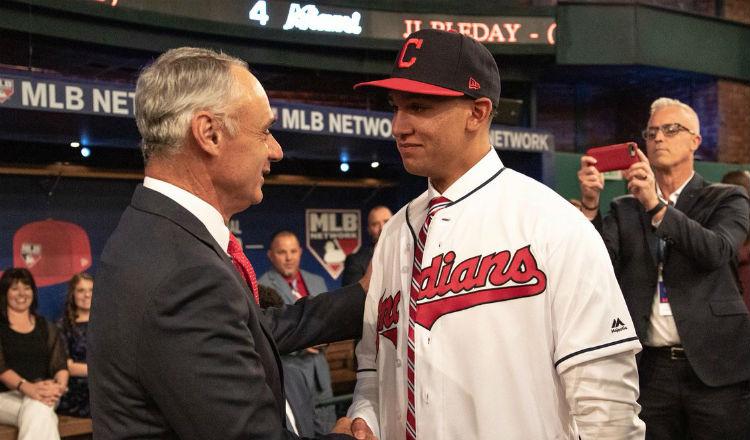 Mariano Rivera inspira a Daniel Espino quien recibió bono millonario en draft de MLB