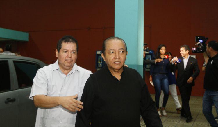 El padre David Cosca reservó dos cabañas en el hotel El Panamá