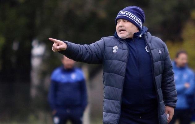 Maradona promete dejar la vida para evitar el descenso de Gimnasia
