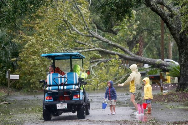 Las Carolinas sufren las primeras consecuencias del huracán Dorian